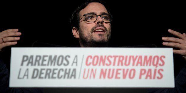 Garzón incendia Twitter con su 'palazo' a Montoro y a su