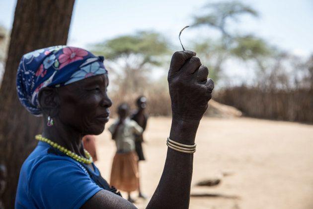 Aunque la MGF se prohibió por ley en Uganda en 2010, se sigue practicando en algunas tribus. Esta foto...