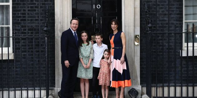 El ex primer ministro británico David Cameron, junto a Samantha, su mujer, y a sus hijos Nancy, Arthur...