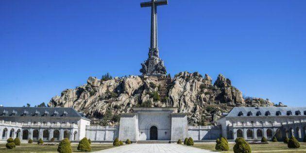 El Gobierno dice que no saca a las víctimas del Valle de los Caídos porque es muy