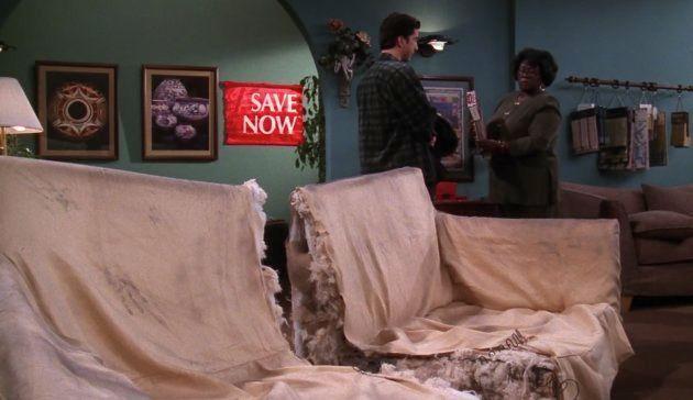El sofá de Ross en 'Friends' sí cabía por las