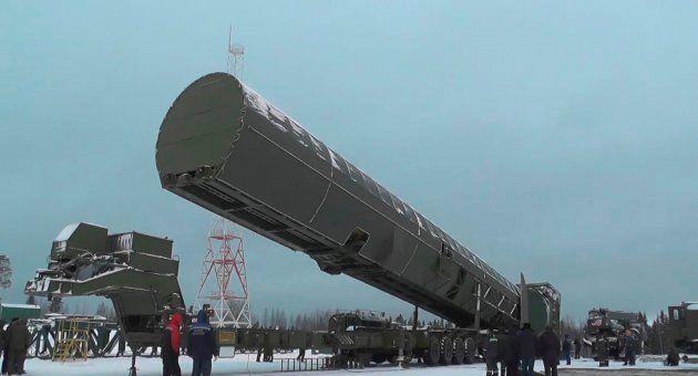 Fotograma de un vídeo que muestra el lanzamiento del misil balístico Sarmat durante el discurso de