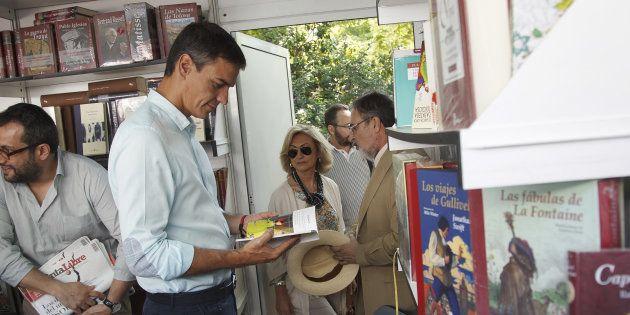 Pedro Sánchez, en la Feria del Libro de