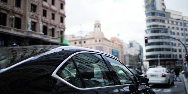 Un vehículo de Uber en el centro de
