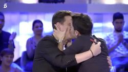 Alejo Sauras se lanza a besar a Christian Gálvez en pleno