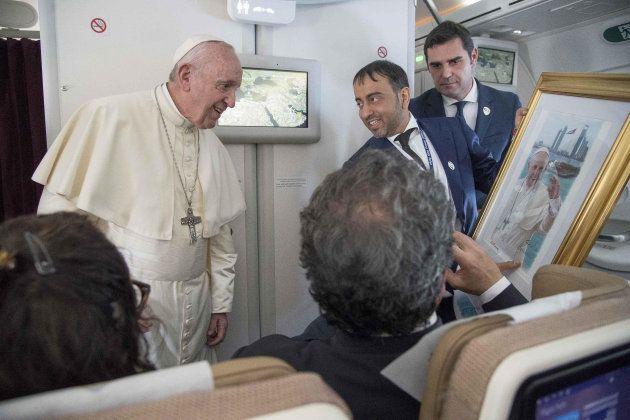 El papa admite que curas y obispos abusaron sexualmente de