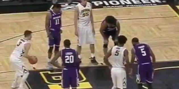 El gesto de este jugador de baloncesto que te va a devolver la fe en la