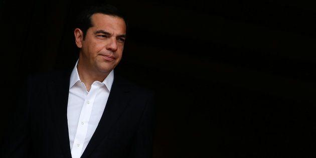 Alexis Tsipras, esperando al presidente de India Ram Nath Kovind, el pasado 18 de junio, en