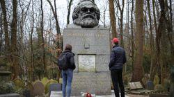 La tumba de Karl Marx en Londres, atacada con un