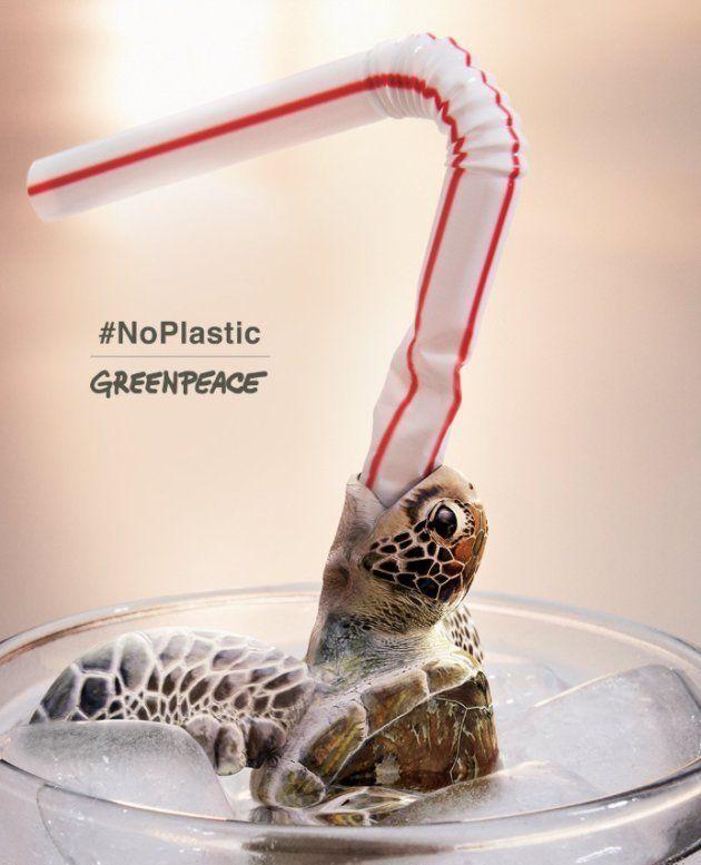 La impactante campaña con la que Greenpeace quiere prohibir las pajitas de