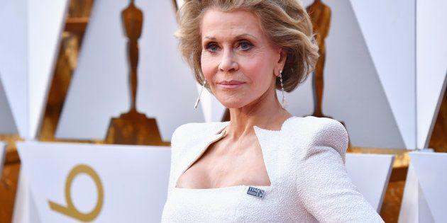 La alfombra roja de los Oscar se llena de pines de apoyo al movimiento Time's