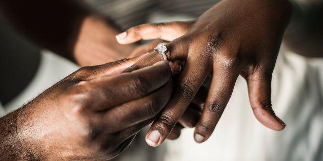No, mi novio no pidió permiso a mi padre para casarse conmigo, estamos en