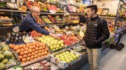Los españoles cada vez compramos menos fruta (y estamos más