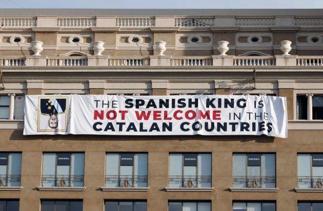 La pancarta desplegada en Barcelona la semana