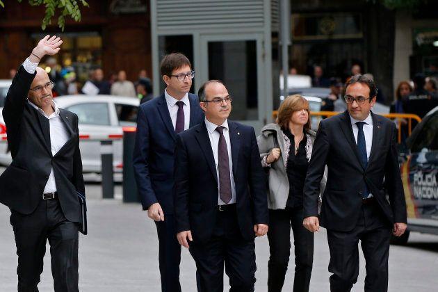De izquierda a derecha: los exconsellers Raül Romeva, Carles Mundó, Jordi Turull, Meritxell Borràs y...