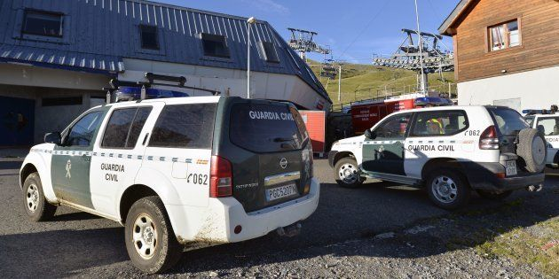 Unos vehículos de la Guardia Civil, en una imagen de