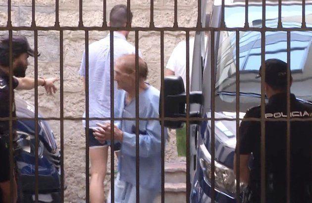 Imagen de televisión del supuesto cómplice de la detenida, con pijama
