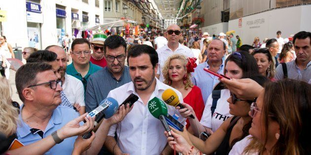 El Coordinador General de Izquierda Unida, Alberto Garzón, atendiendo a los medios el pasado 16 de agosto...