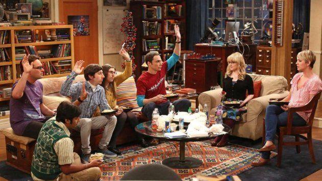 El apartamento de Sheldon y Leonard, con el póster en la puerta, al
