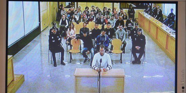 Monitor de la sala de prensa de la Audiencia Nacional de San Fernando de Henares (Madrid), durante el...