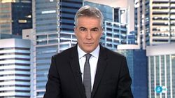 David Cantero ('Informativos Telecinco') conquista las redes con su cambio de