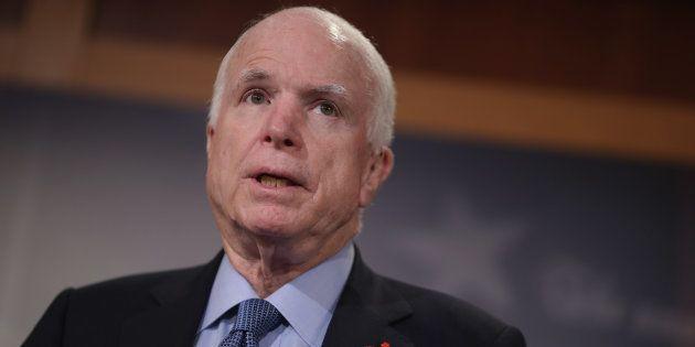Muere John McCain, senador estadounidense rival de Obama en