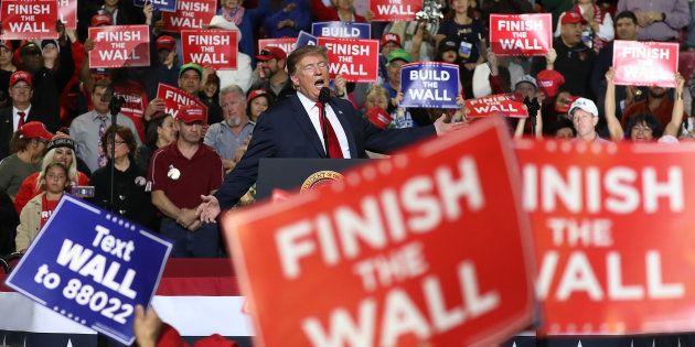 Demócratas y republicanos acuerdan fondos para el muro para desbloquear la