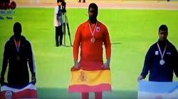 El himno franquista suena en una entrega de medallas en