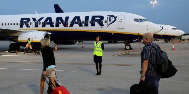 Ovación unánime a 'El Mundo Today' por lo que dice de Ryanair y de sus