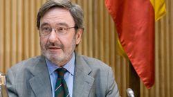 Absuelven a Narcís Serra y a los otros 40 acusados por los sueldos de Caixa