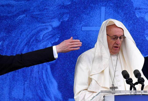 El papa dirige la oración del Ángelus en Knock,