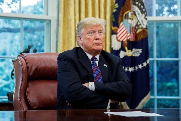 El presidente estadounidense, Donald J. Trump, espera la llamada de Enrique Peña