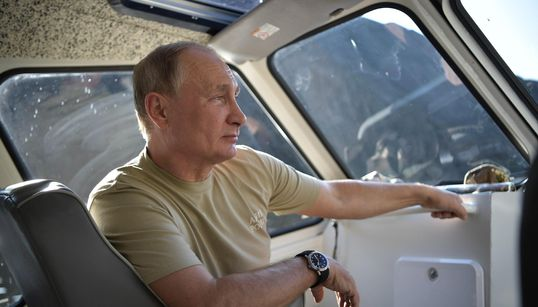 Los posados veraniegos de Putin a lo 'Indiana