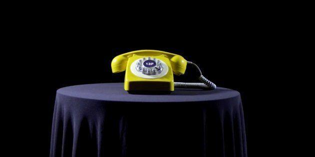 Malasmadres pone en marcha el teléfono amarillo por la