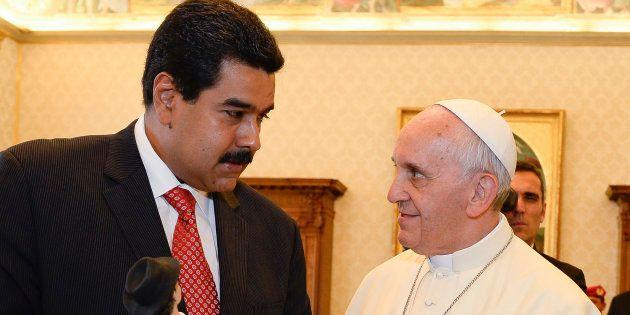 Imagen de archivo de el papa Francisco y Nicolás