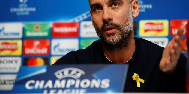 Pep Guardiola, multado con 20.000 libras por lucir el lazo