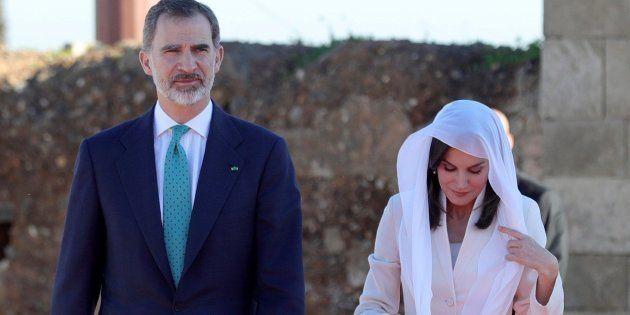 Los Reyes rinden homenaje a Hasán II y Mohamed V en su mausoleo en