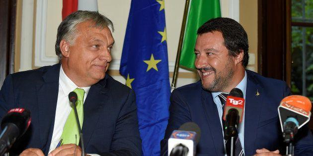 Matteo Salvini (derecha) y Viktor Orban, juntos este martes en