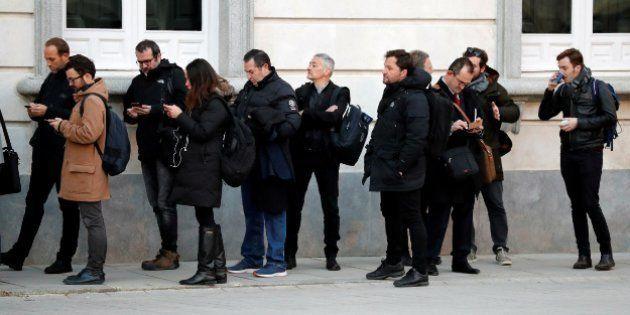 La prensa se concentra ante las puertas del Tribunal Supremo para seguir el juicio del