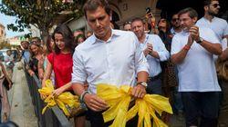 Rivera y Arrimadas retiran lazos amarillos en un pueblo de