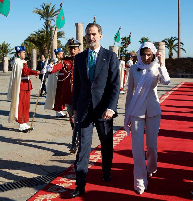 La prensa extranjera se fija en los guiños escondidos en los 'looks' de la reina Letizia en San