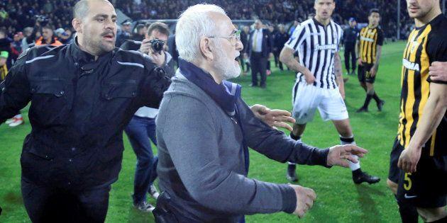 La Liga de fútbol griega es suspendida por tiempo