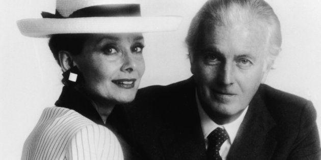 La actriz Audrey Hepburn junto al diseñador Hubert De Givenchy a mediados de los