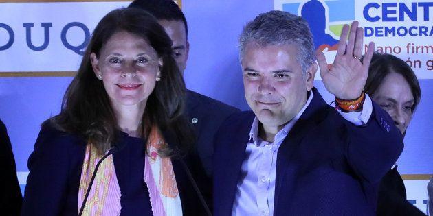 Los candidatos de la derecha en la consulta interpartidista del domingo en Colombia, Iván Duque y Marta...