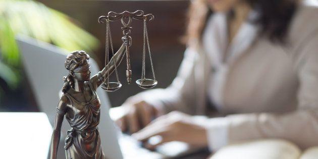 La CNMC multa a nueve colegios de abogados con 1,45