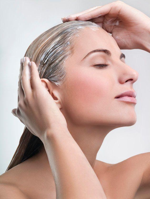 Cómo recuperar el pelo después del