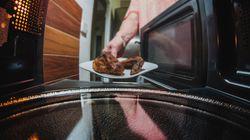 ¿Calentar la comida en microondas es malo para la