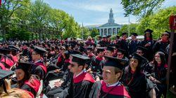 El Gobierno de Trump acusa a Harvard de discriminar a los asiáticos en sus
