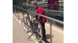 La tremenda pillada a un joven que robaba una bicicleta en