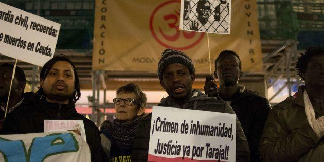Manifestación ante el Ministerio de Exteriores en Madrid reclamando justicia para las víctimas del Tarajal,...